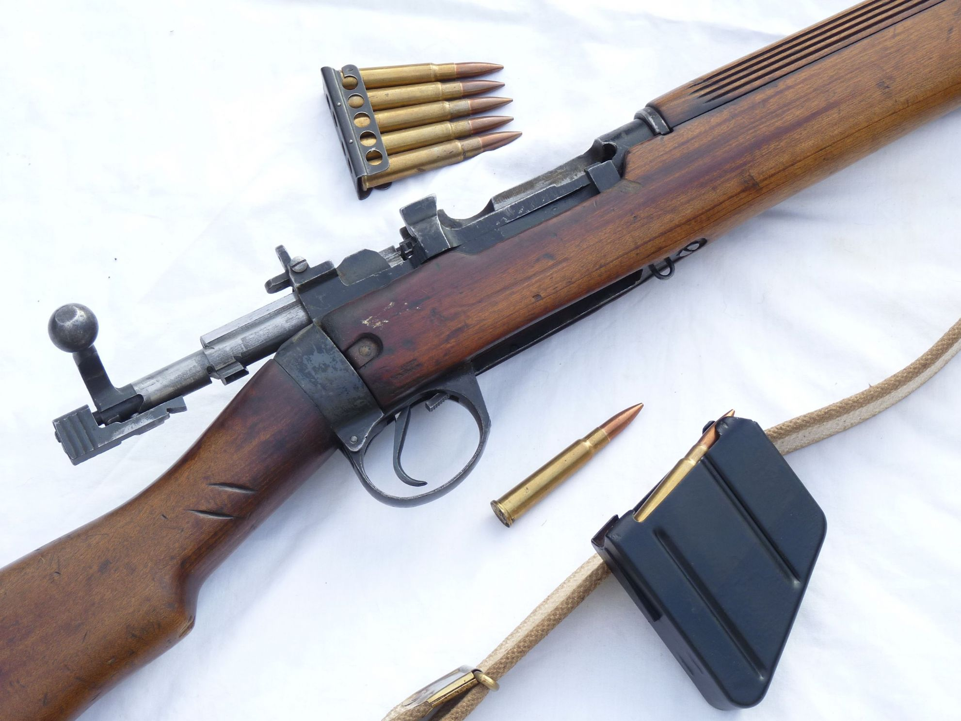 Deactivated Lee-Enfield no4 mk1 Canadian Longbranch made